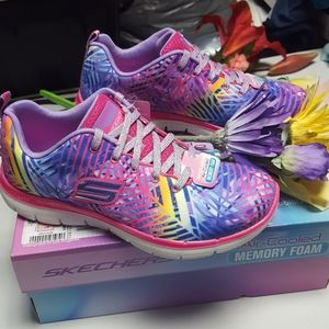 NIB Girls Skechers multi colored shoes size 4 M